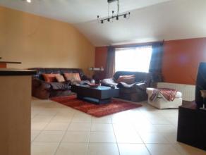 Bel appartement 2 chambres très lumineux qui se compose d'un pièces principale avec séjour et cuisine équipée am&ea