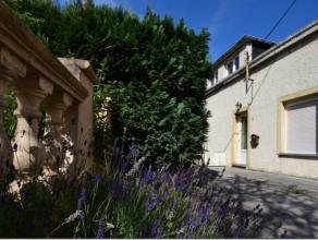 Disponible desuite, cette charmante petite maison rustique est idéalement située dans un quartier calme.<br /> Elle se compose d'une cui