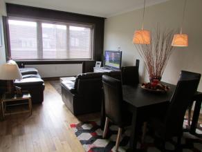 Bel appartement MEUBLEE situé dans un petit immeuble (sans ascenseur) à Strombeek centre. Hall d'entrée, wc avec lave-mains, livi