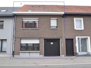 Rustig en landelijk gelegen woning met 3 slpk. en tuin op 08 are 45 ca.<br /> De woning bestaat op de gelijkvloerse verdieping uit een inkomhal/fietse