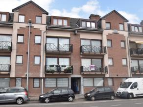 Vlakbij het station van Dendermonde gelegen instapklaar energiezuinig 2-slpk.-appartement met terras en garage. Het appartement is gelegen op de eerst