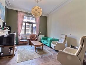 A proximité du Parc Duden, ce joli souplex 4 chambres se compose comme suit : lumineux séjour, salle à manger et cuisine ouverte