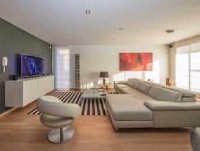 Dit fantastische luxeappartement (180m²) met zuid-terras (20m²) met zicht op groen bevindt zich op de eerste verdieping van residentie 'Augu