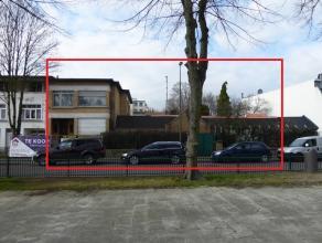 VOOR SNELLE BESLISSERS - Projectgrond (ong 800 m²) in Deurne-Noord met een stedenbouwkundig attest voor 24 1-slpk eenheden. Dit attest is nog gee