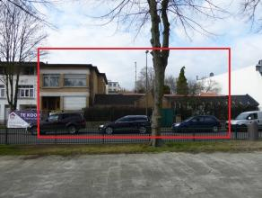 VOOR SNELLE BESLISSERS - Projectgrond (ong 800 m²) in Deurne-Noord met een stedenbouwkundig attest voor 24 1-slpk eenheden. Dit attestis nog geen