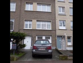 Zéér goed gelegen degelijke Bel-etage (bwjr 1953) te Deurne Zuid! Te renoveren. (groot beschrijf)Woning beschikt over :GLVL : oprit, ink