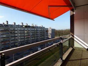 Zéér verzorgd, professioneel & smaakvol afgewerkt appartementvan 120m² met 2 ruime slpk,voorterras,garage + staanplaats in opti