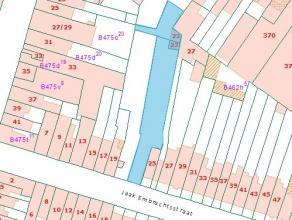 ABSOLUUT UNIEK AANBOD - Uitzonderlijke bouwgrond van 5.5m straatbreedte en 725 m² oppervlakte, centraal gelegen in Deurne-Zuid en ideaal voor een