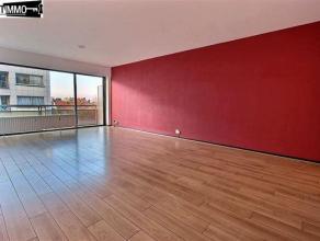 Proche de la CEE et du métro Diamant, appartement 1 chambre de 91 m² + terrasses. Composé d'un hall d'entrée avec parquet di