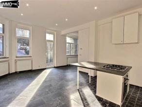 Dans une rue calme, à proximité de la Place Colignon, superbe appartement 1 chambre de 60 m² entièrement rénov&eacute