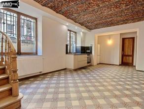 Dans une rue calme, à proximité de la Place Colignon, appartement 1 chambre de 70 m² rénové - Cuisine/SAM de 22,5 m&s