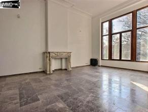 Dans une rue calme, à proximité de la Place Colignon, bel appartement lumineux 1 chambre de 65 m² - Grand living de 36 m² avec