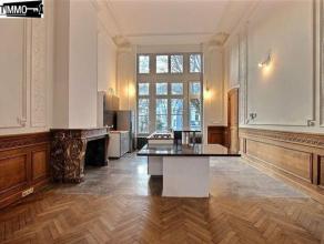 Dans une rue calme, à proximité de la Place Colignon, magnifique appartement 2 chambres de 130 m² entièrement rénov&e