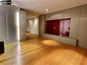 Dans la très belle avenue Eugène Demolder, appartement 1 chambre de 70 m², entièrement rénové, au rez-de-chaus