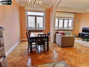 Dans le quartier Plasky, à proximité des Institutions Européenne, bel appartement 2 chambres de +/-100 m² - Hall d'entr&eacu