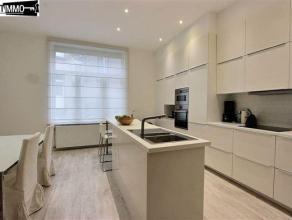 Dans une petite copropriété à proximité de la Place Bockstael et des nombreux transports, appartement 2 chambres + bureau