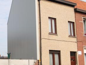 Uitstekend gelegen woning met 3 slaapkamers in centrum Sint-Niklaas.De goede ligging in het centrum van Sint-Niklaas, de dichtbij gelegen supermarkt,
