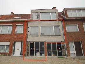 Een 3-slaapkamer appartement met tuin gelegen in het centrum van Sint-Niklaas.De rustige ligging doch nabij E17/N70, winkels, openbaar vervoer en het