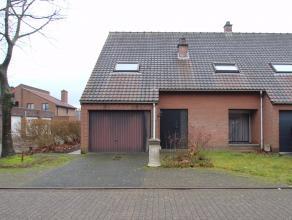 Rustig gelegen woning met inpandige garage op een zonnig perceel van 265m² te Hamme.De rustige en kindvriendelijke omgeving, de inpandige garage,