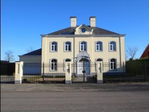 Uitzonderlijk mooi afgewerkte villa voorzien van alle luxe op een perceel van 1026m².<br /> De goede ligging met vlotte verbindingen naar alle in
