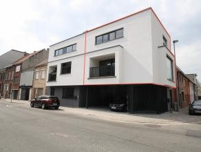 Goed gelegen, ruim, modern, nieuwbouw duplexappartement met terras te Sint-Niklaas.De goede ligging (nabij openbaar vervoer, scholen, invalswegen, zie