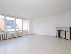Uitstekend gelegen instapklaar appartement met veel lichtinval in het centrum van Sint-Niklaas.<br /> De goede ligging in het centrum van Sint-Niklaas