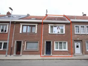Wie zoekt naar een rustige, maar centraal gelegen woning, moet zeker deze woning komen bezichtigen.<br /> Vlot bereikbaar via E17, N16 met ook scholen