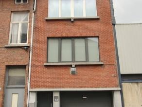 Op zoek naar een instapklare woning in het centrum van Sint-Niklaas?<br /> <br /> De goede centrale ligging nabij scholen, winkels en openbaar vervoer