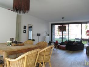 Luxueus en recent appartement van ca 100 m² op de eerste verdieping in een hoogstaande residentie in de Kloosterstraat, dé straat bij uits