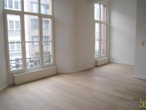 Appartement van ca 70 m² gelegen in de hoogstaande Van Putlei. Het appartement geniet van een zeer vlotte bereikbaarheid, zowel naar het stadscen