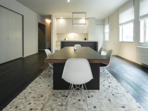 Uitzonderlijk en exclusief loftkantoor van ca 170 m² op een absolute toplocatie, in een zijstraat van de Scheldekaaien. Centraal gelegen op het Z