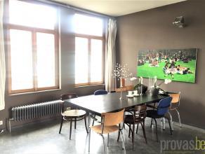 Duplexappartement van ca 94 m² op een zeer centrale locatie met een prima bereikbaarheid. Door de heraanleg van de Troonplaats en constante ontwi