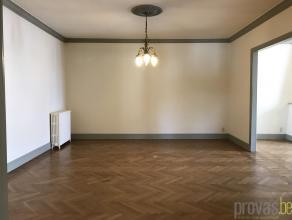 Luxueus penthouse appartement van ca 180 m² gelegen op de hoek van de Mechelsesteenweg en de Sint-Jozefstraat. Het appartement geniet van een cen