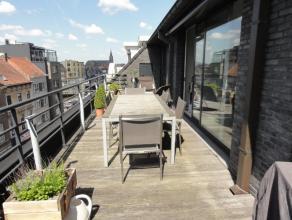 Exclusief, recent appartement met groot zonneterras van 40 m². Gelegen in een mooie residentie. Hoogwaardige afwerking! Omvat: Inkomhall met gast