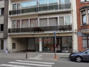 """Dit appartement, met 2 slaapkamers en ruime overdekte autostaanplaats, gelegen in het centrum van Leuven, aan """"Den Blauwen Hoek"""" werd volledig gerenov"""