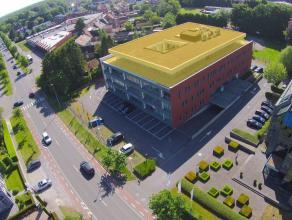 Exclusief aanbod: moderneKANTOORRUIMTEmet ruim terras en private parkeermogelijkheid (24-tal P) op TOPLOCATIE te Brugge. INDELING:Glv.: gemeenschappel
