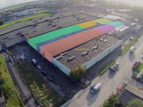 MAGAZIJN (688,79m²) met sectionaalpoort en sanitair (IDEAAL voor opslag, metaalconstructie, schrijnwerkerij, garage, ...) op milieubelastende ind