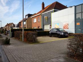 Overname frituur op commerciële ligging te Sint-Kruis Gunstig gelegen volledig ingerichte frituur te Sint-KruisINDELING:Gelijkvloers:Recente toon