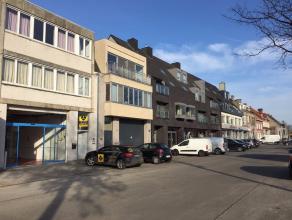 """HANDELSPANDmet parkeermogelijkheid voor de deur. Gelegen naast commercieel centrum """"V-markt"""", op een boogscheut van het centrum van Brugge. INDELING:H"""