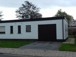 Deze bungalow woning is gelegen in een kindvriendelijke en groene omgeving, op fietsafstand van Gent en op wandelafstand van het treinstation Drongen.
