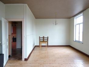 BEL APPARTEMENT idéalement situé à Besonrieux, dans un petit immeuble calme, PARKING à l'avant, 2 belles grandes chambres