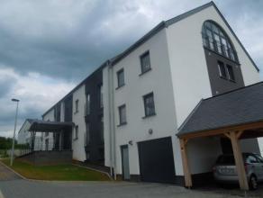 Appartement neuf de 2013 situé dans le quartier résidentiel du Waschbour à Arlon.Il comprenant deux chambres,un dressing dans le
