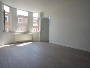 BERCHEM-SAINT-AGATHE (ref.: 8669) Au 1er étage d'un petit immeuble, avec peu de charges, se trouve un magnifique appartement entièrement