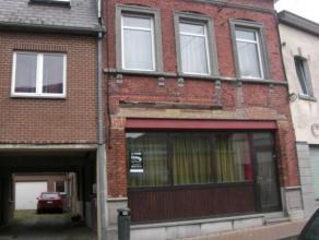 Bel appartement au rez-de-chaussée situé à proximité du centre-ville de Namur, et à deux pas de la gare. Il se comp