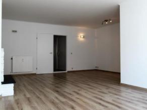 Modern instapklaar appartement (ca.100m²) op de derde verdieping op loopafstand van de Nationale bank met 2 slaapkamers. L-vormige living (ca.35m
