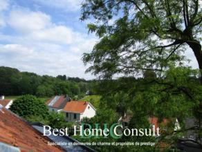 Quartier De Perke, à 5 minutes du Lycée français, découvrez cette atypique villa contemporaine de ±310m² offra