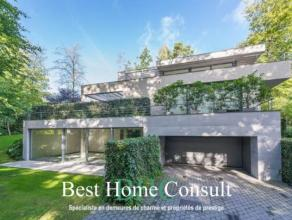 Dans le quartier résidentiel du Prince d'Orange, villa contemporaine de ±650m² agémentée d'une piscine intérie