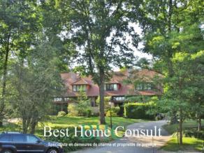 Sise dans un clos privé, découvrez cette agréable maison construite en 2000 et agrémentée d'un jardin orient&eacute