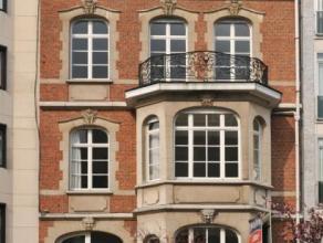 Ixelles, Jardin du Roy, magnifique Maison de Maître de 8 m de façade avec annexe arrière. L'ensemble développe ± 900