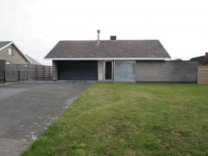 opp: 10a44ca; KI 946; bestaande uit onder andere inkom, keuken, grote living, 2 badkamers, 3 slaapkamers, garage en 2e garage/berging, kelder (droog)